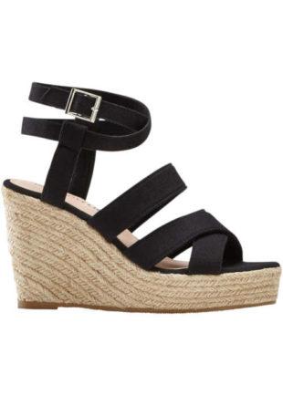 Páskové sandály na vyšším klínu