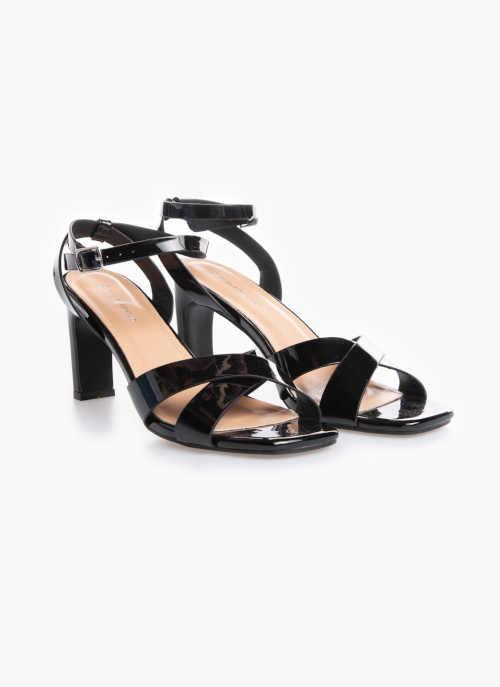 černé lakované sandály na vysokém podpatku