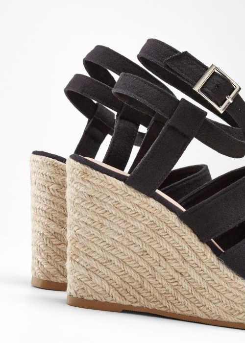 dámské letní sandály na klínu