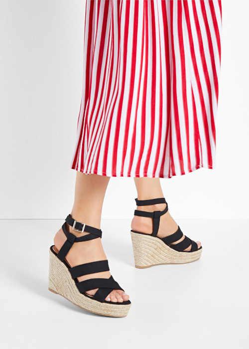 dámské sandály na moderním klínu
