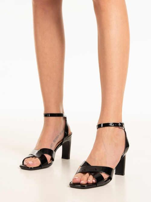 dámské sandály na úzkém podpatku