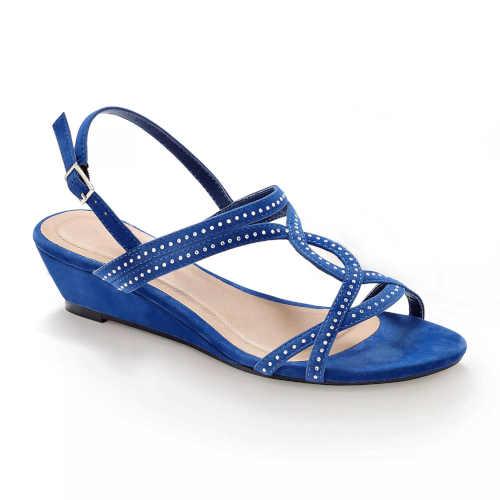 moderní a pohodlné letní sandálky s flitry