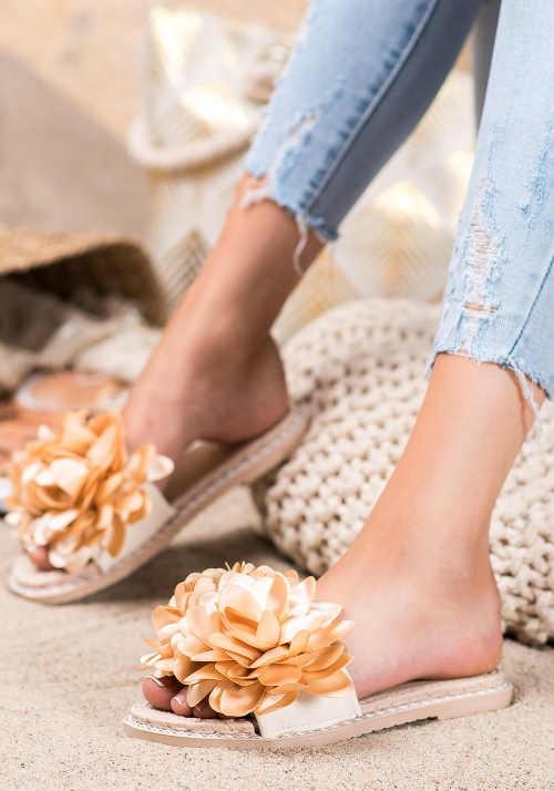 Ozdobné dámské pantofle
