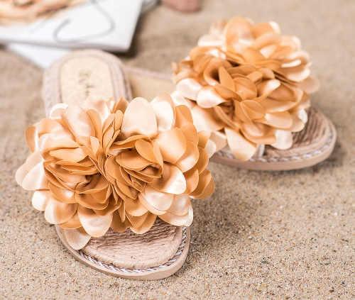Romantické dámské pantofle s velkou květinou