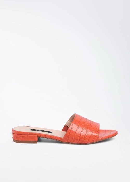 Moderní letní pantofle z koženého materiálu