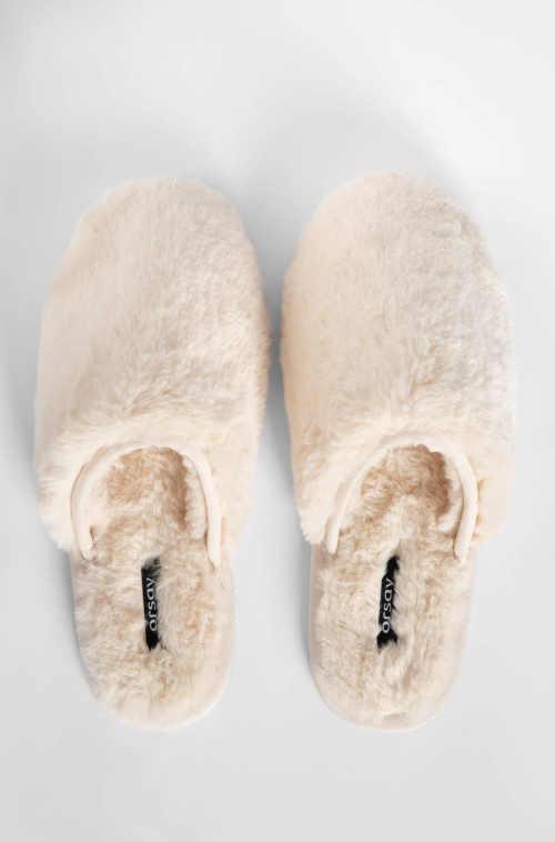 domácí moderní pantofle béžové