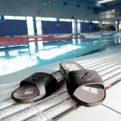 pánské pantofle k bazénu