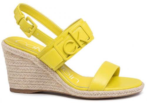 Žluté sandály Calvin Klein na vysokém klínku