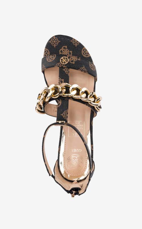 sandály na nízkém podpatku