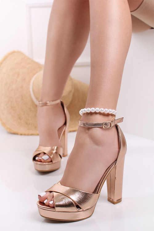 Páskové elegantní sandály na vysokém podpatku