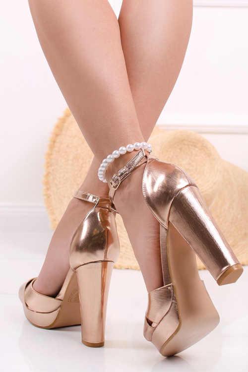 růžovo-zlaté páskové sandály