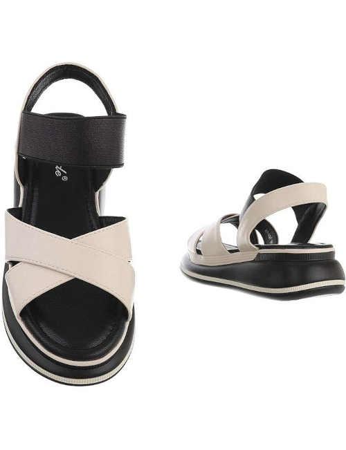 letní sandály na klínu