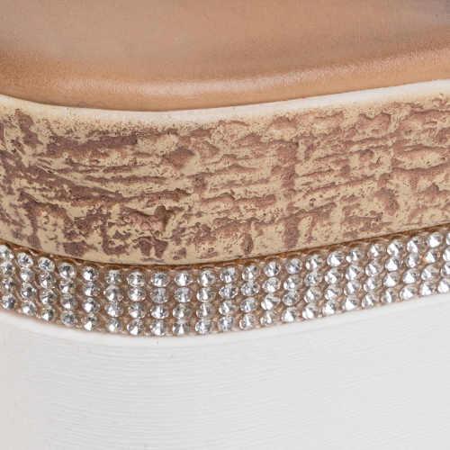 stříbrné sandály zdobené zirkony